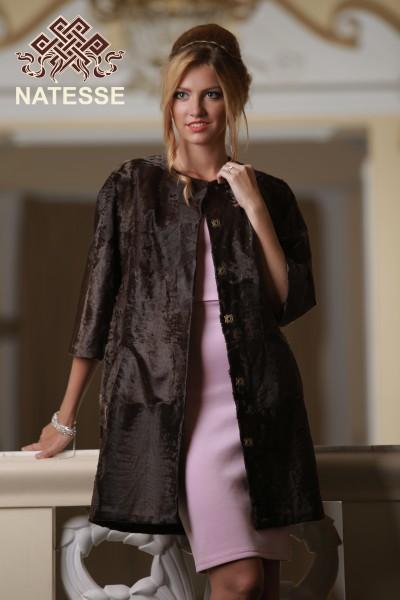 Пальто из шоколадной каракульчи свакара
