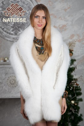 Albino blue fox fur tippet embroidered