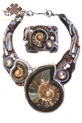 Эксклюзивные браслет и колье с аммонитами