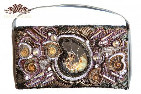 Кожаная маленькая сумочка клатч с камнями