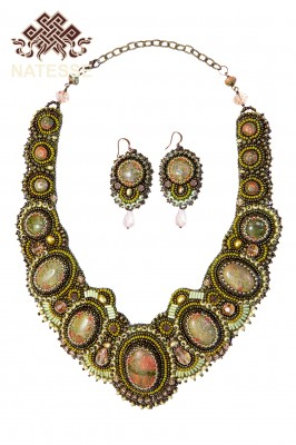Unaсite necklace earrings with beads